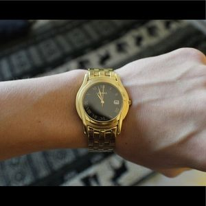 Gucci 5400M Gold Plated Watch Works Great